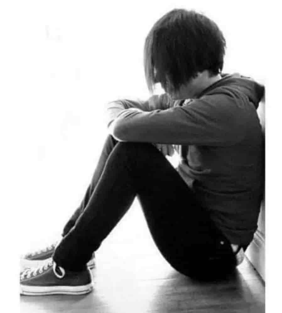 Boy feeling very sad whatsApp dp download for boy's profile picture